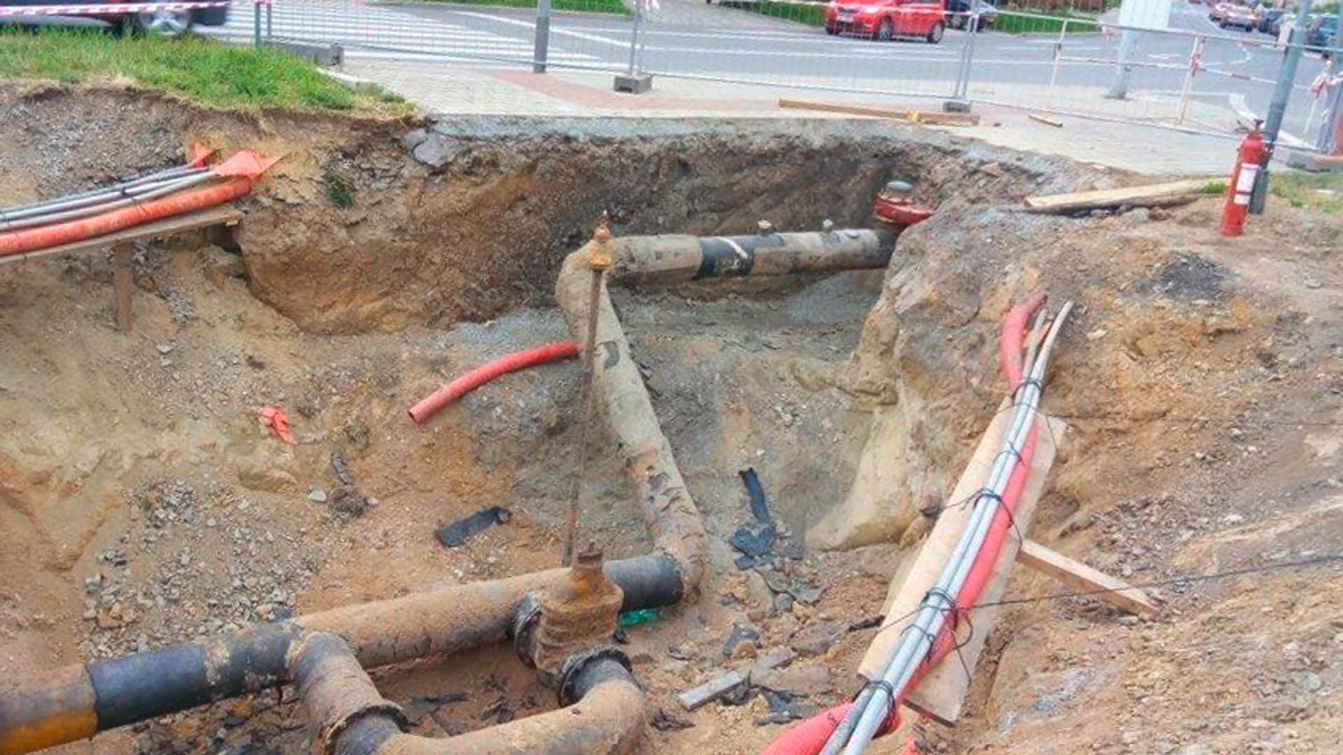 Old steel pipe in Brno, Czech Republic, to be replaced with new PE pipe and AVK gas valve with purge points