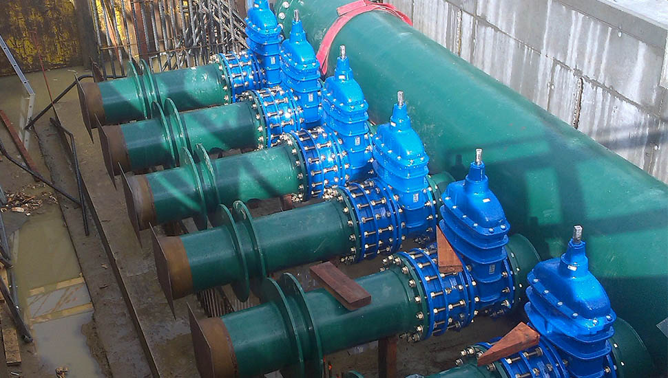 12 AVK gate valves and dismantling joints installed in main water pipe in Belgium