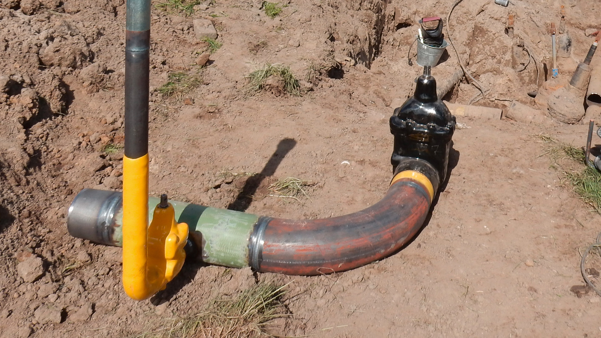 Old gas pipeline replacement