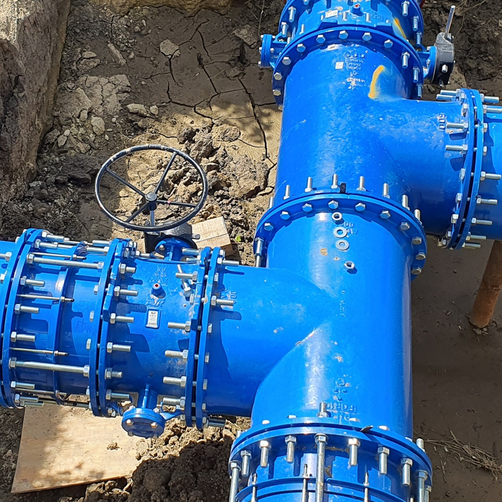 Reconstruction of water transmission pipeline DN600 using Supa Maxi™ couplings and AVK double eccentric butterfly valves